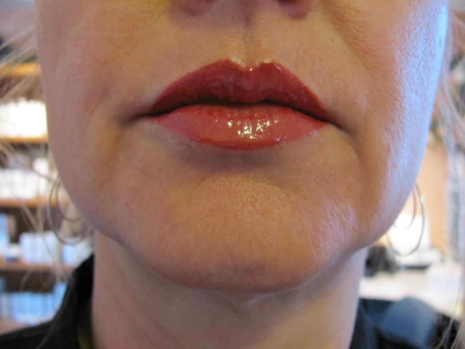 Permanent Makeup Full Lips and Lipliner the best permanent lipstick in permanent cosmetics.jpg